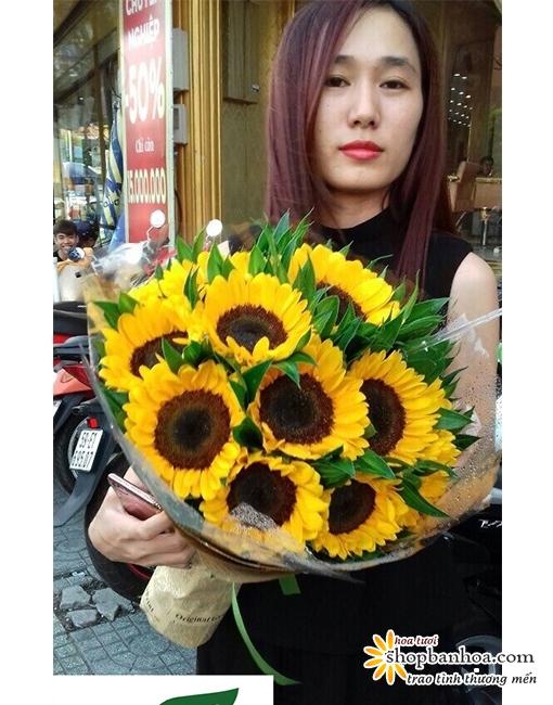 hoa tuoi quan 1mon qua y nghia